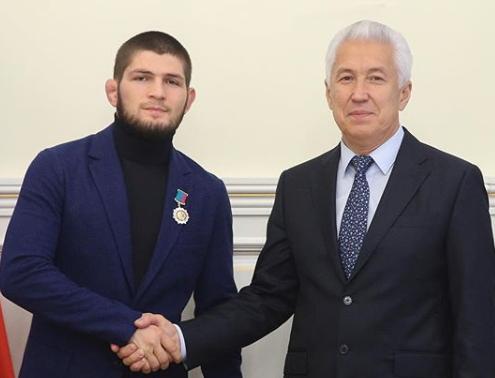 Боец Хабиб Нурмагомедов и глава Дагестана Владимир Васильев (Фото: Instagram спортсмена)
