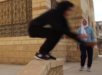 Паркур в хиджабе разбивает стереотипы (ВИДЕО)