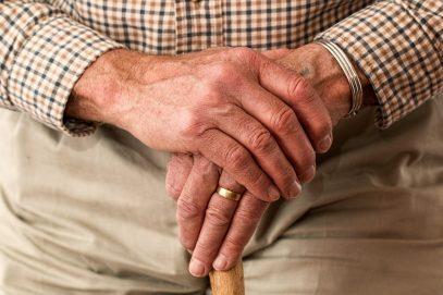 Когда и почему бывает нужно выбрать частный дом престарелых?
