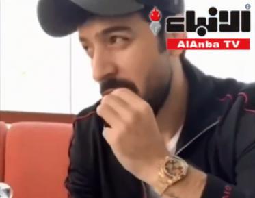 Арабский певец вызвал гнев соцсетей поеданием золота (ВИДЕО)
