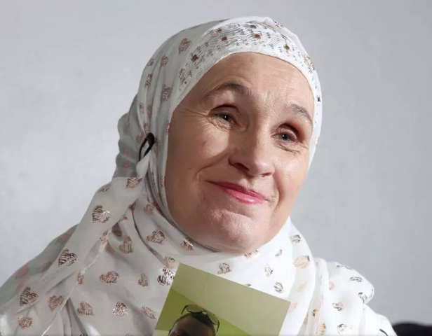 Мать 9 детей обрела счастье в исламе