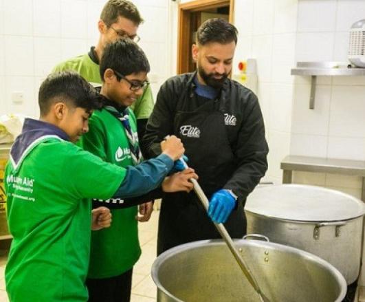 Иудеи и мусульмане готовят суп бок о бок