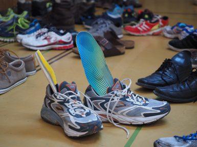 Где лучше покупатель стельки для обуви: на рынке или в онлайн-магазине?