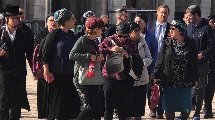 """Израильский депутат снова пропиарился на территории мечети """"Аль-Акса"""""""
