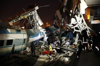 Опубликованы кадры катастрофы скоростного поезда в Анкаре (ВИДЕО)