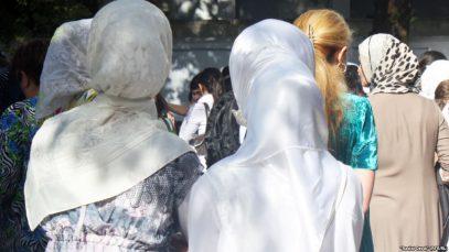 Власти Таджикистана вознамерились избавиться от женщин в хиджабах