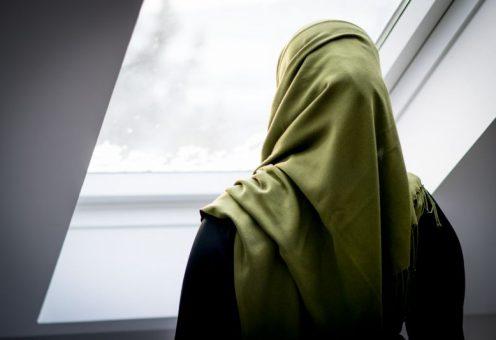 Студентку отчислили за хиджаб – колледжу теперь мало не покажется