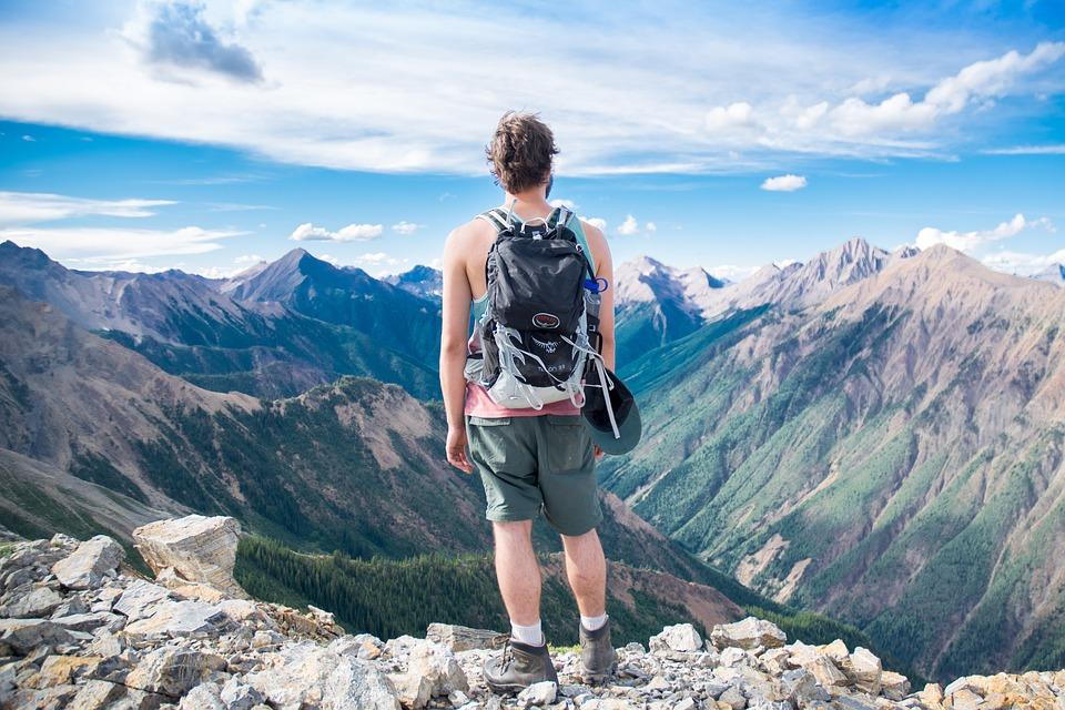 Походы в горы – это отличный досуг с пользой для здоровья и яркими эмоциями
