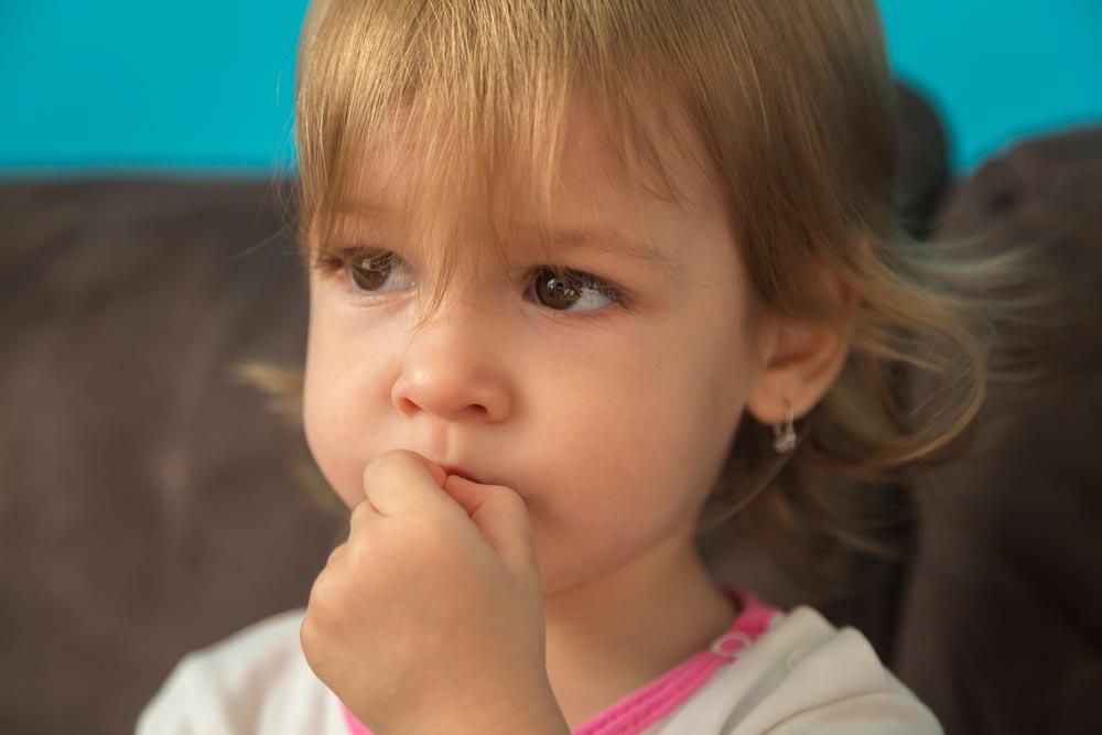 У ребенка, проживающего около опасного завода, содержание цинка в волосах превышено в 17 раз