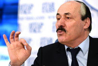 Абдулатипов вступился за арестованных чиновников, Магомедова и родного брата