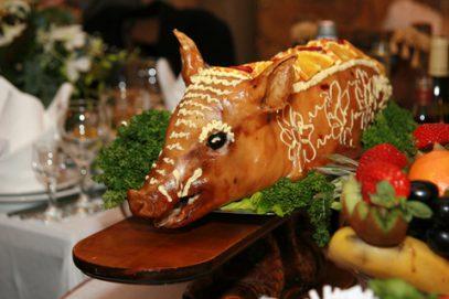 Свиные деликатесы со столов россиян оказались смертельно опасны