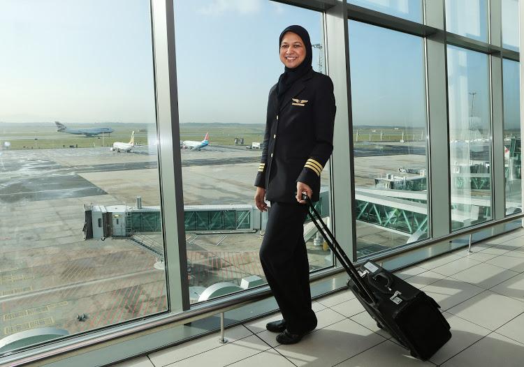 Фатима за штурвалом пассажирского лайнера ломает стереотипы