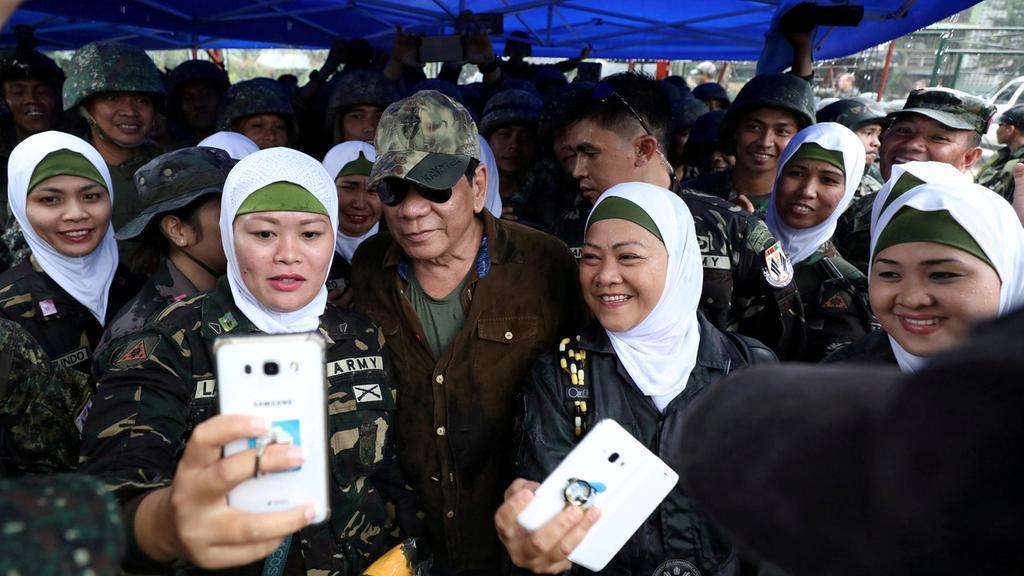 Солдаты-мусульманки в хиджабах – неотъемлемая часть филиппинских вооруженных сил
