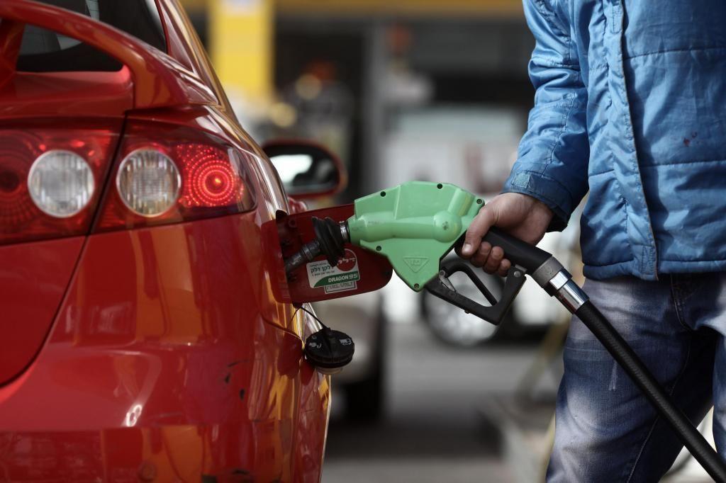 Жители Дагестана на обычную зарплату могут купить бензина в три-четыре раза меньше, чем жители Ямала
