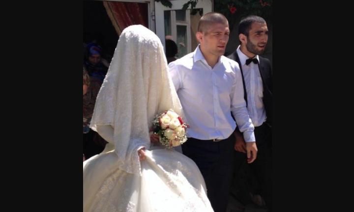 Нурмагомедов с женой