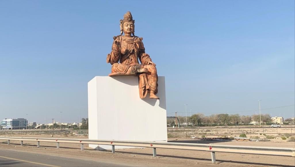 Будда на трассе  в ОАЭ