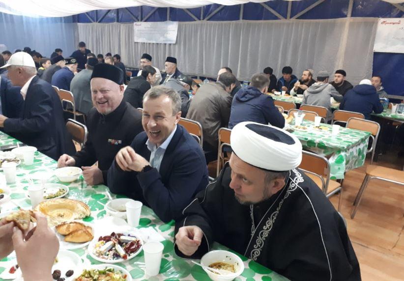 В Шатре Рамадана Екатеринбурга