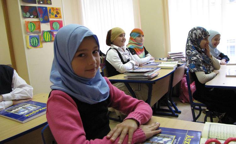 Хиджаб не дает покоя российским чиновникам