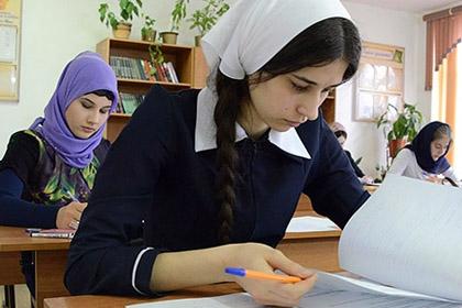 Учащиеся одной из школ Чечни