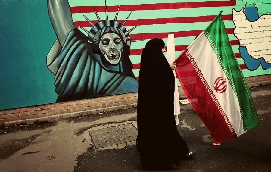 Антиамериканское граффити на одной из улиц Тегерана