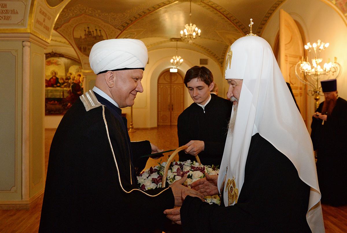 Муфтий Крганов на приеме в храме Христа Спасителя