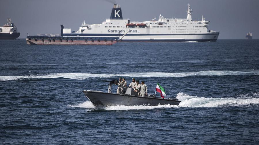 Катер ВМС КСИР в Персидском заливе