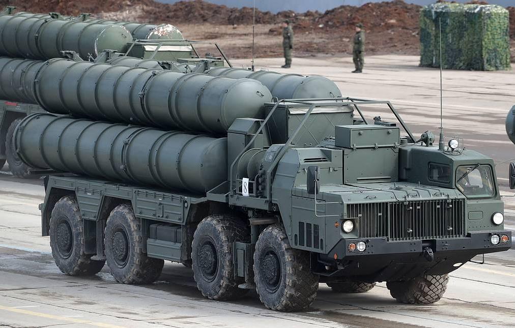 Зенитная ракетная система С-400 Сергей Бобылев/ТАСС