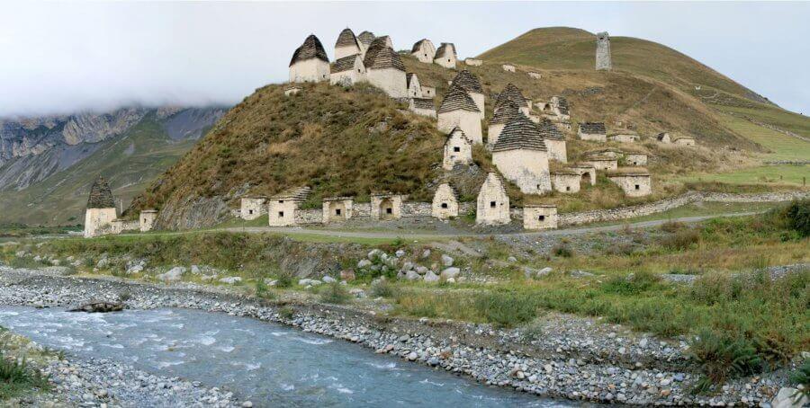 Самый крупный некрополь Кавказа в селении Даргавс