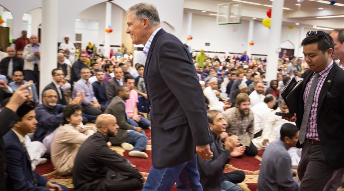 Джей Инсли в мечети