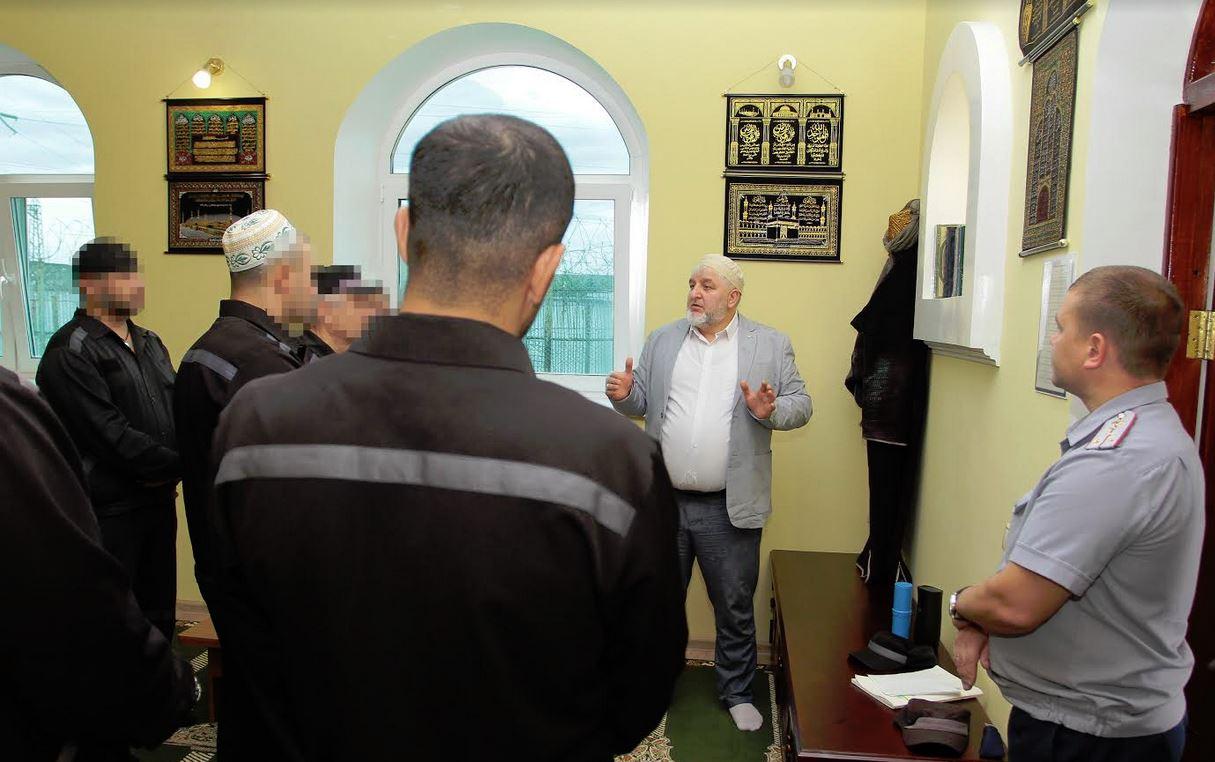 В отремонтированной мечети ИК-46
