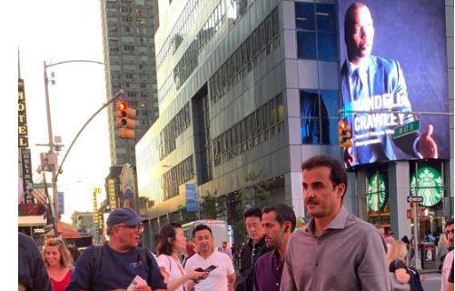 Эмир Катара на улице Нью-Йорка