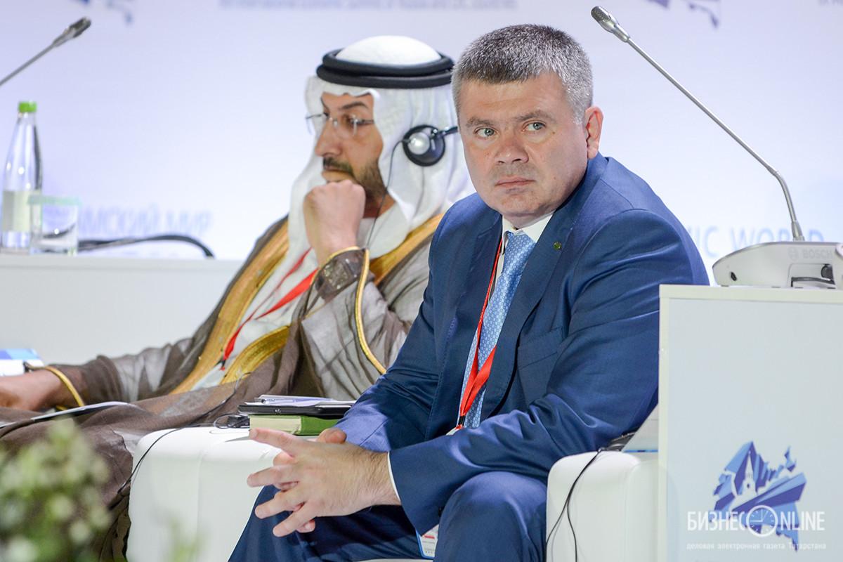 Олег Ганеев на форуме по исламским финансам. Фото: Бизнес-онлайн