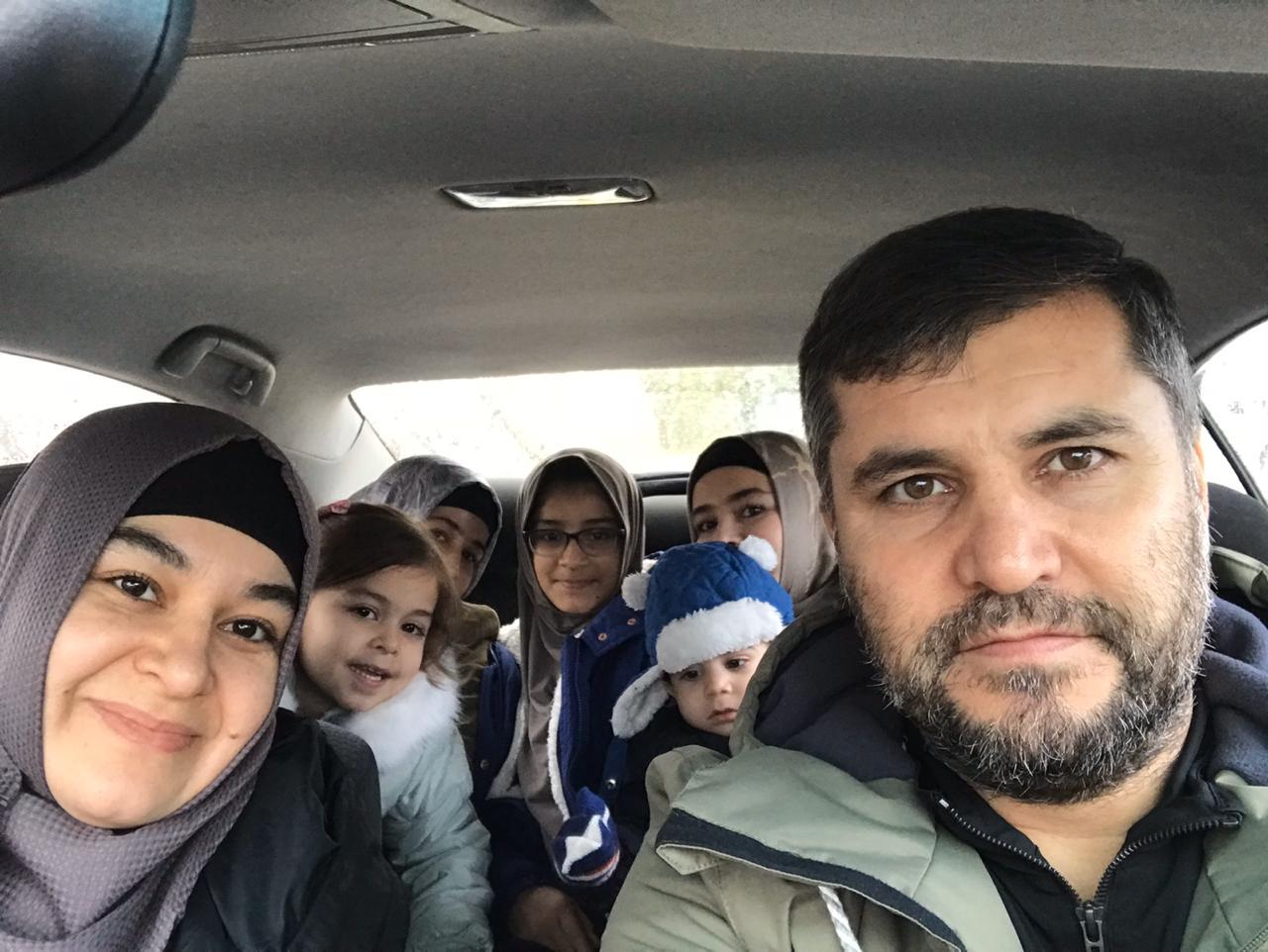 Фарход Одинаев с семьей