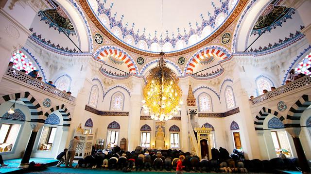 Интерьер мечети Шехитлик