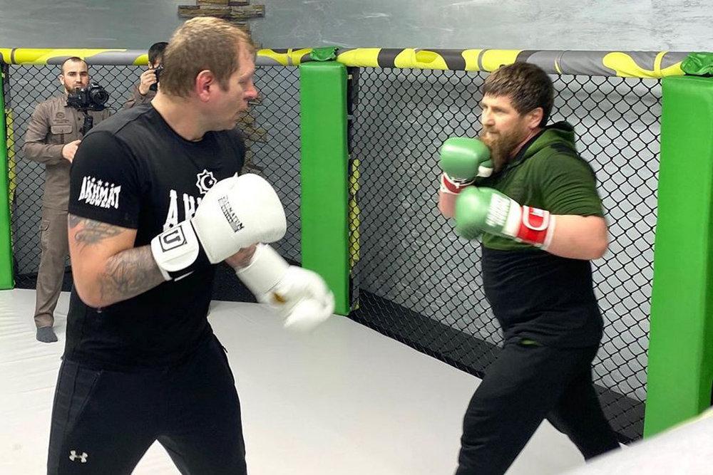 Александр Емельяненко и Рамзан Кадыров во время спарринга