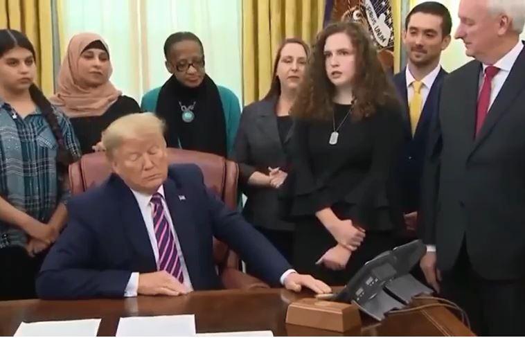 Трамп с верующими