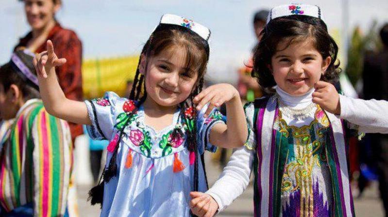 Дети в Таджикистане
