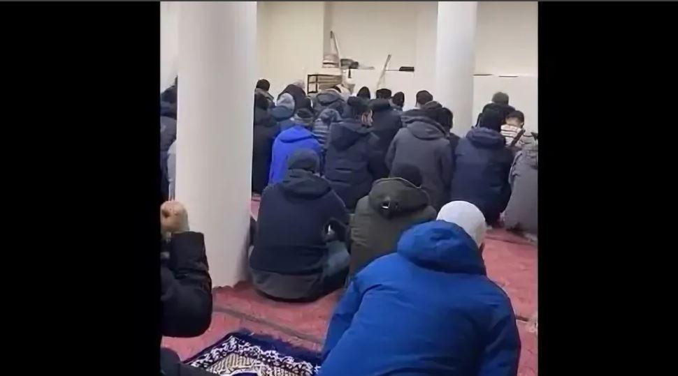 Пятничный намаз в мечети Магадана