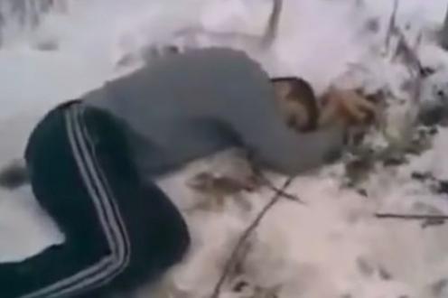 Акбарджон Холиков после падения из окна. Кадр из видео
