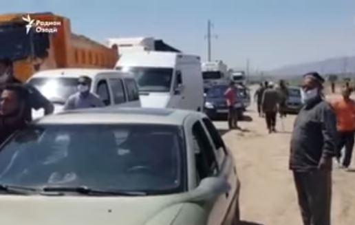 Перекрытое движение на трассе Бохтар-Душанбе