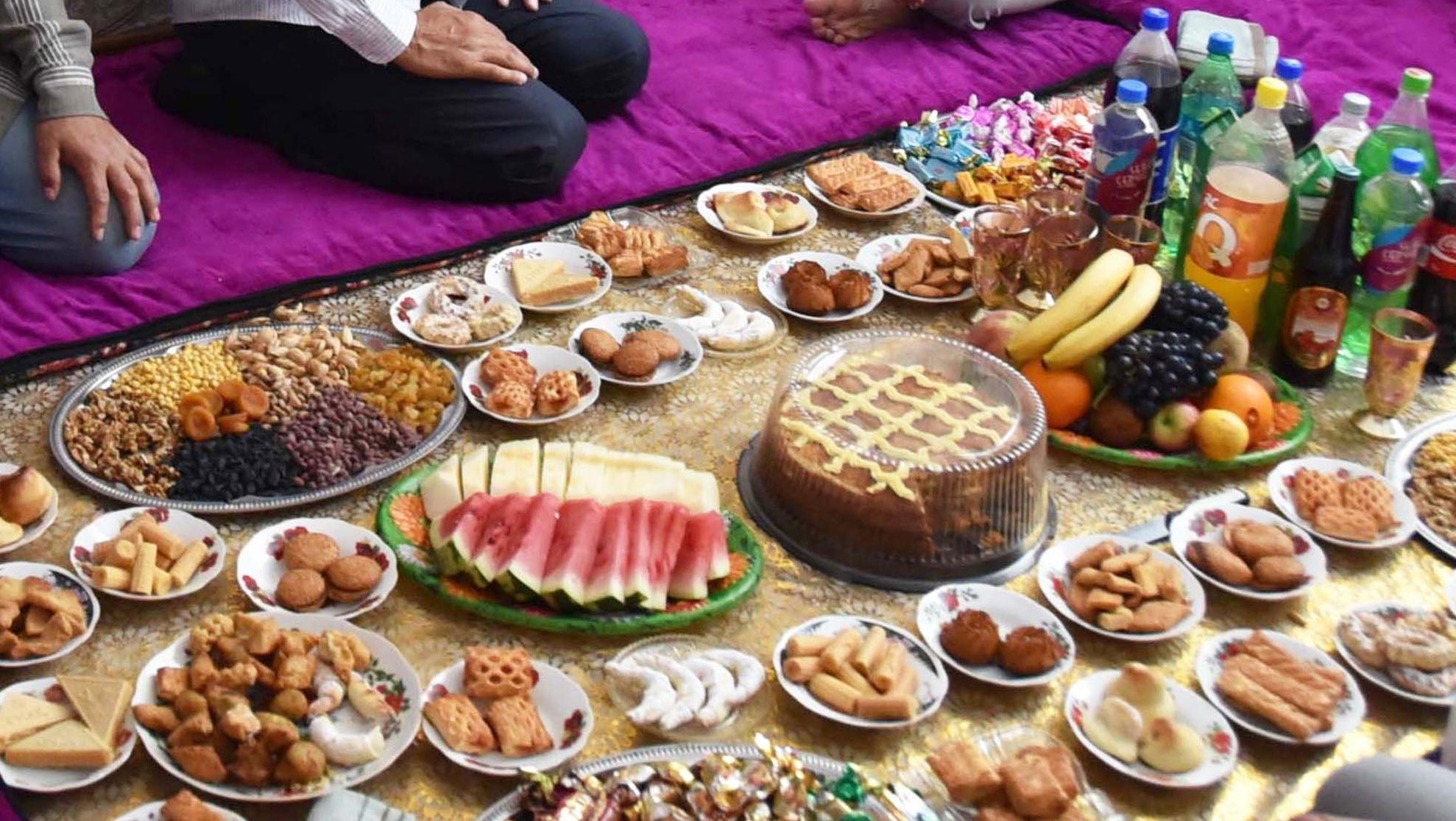 Праздничный стол по случаю Ураза-Байрам