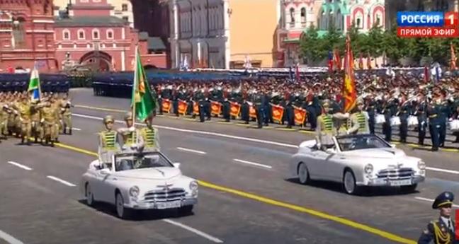 Туркменские военнослужащие на автомобилях «Победа»