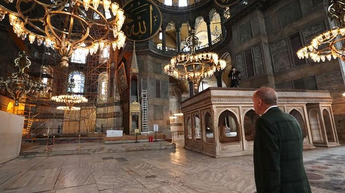 Эрдоган в зале Айя Софии