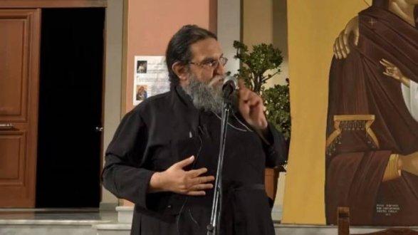 Священник Евангелос Папаниколау