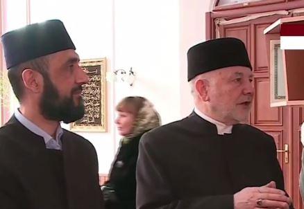 Муфтий Фарид Ляпин справа