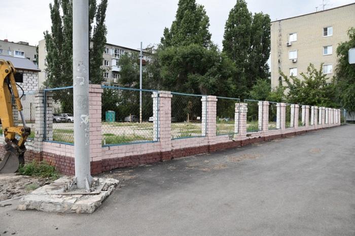 Участок на пересечении улиц Серова и Новоузенской