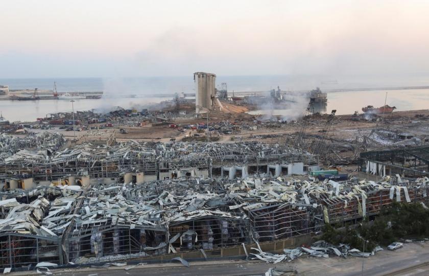 Взрыв уничтожали главные зернохранилища Ливана, обеспечивающие продовольствием всю страну