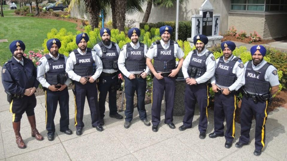 Бородатые офицеры