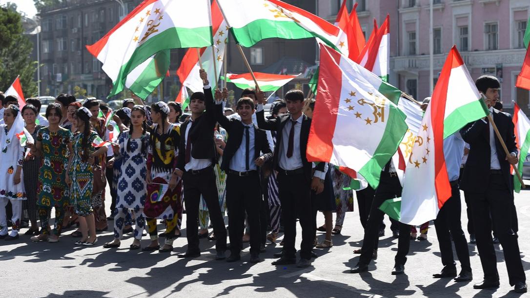 Молодежь в Таджикистане