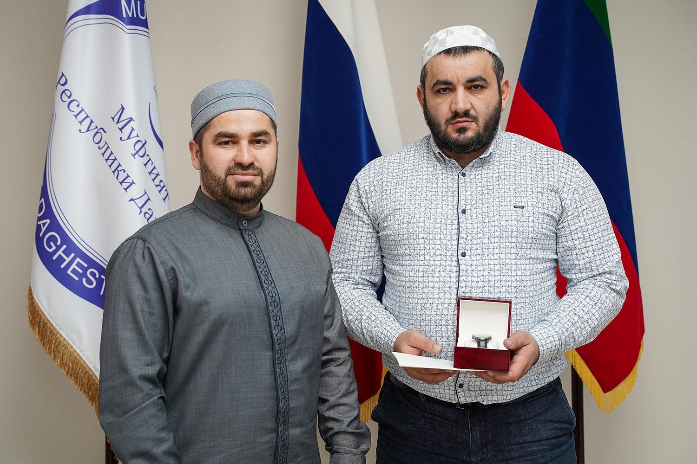 Усман Шейхов с наградой